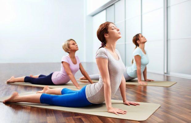 Mulheres Fazendo Yoga