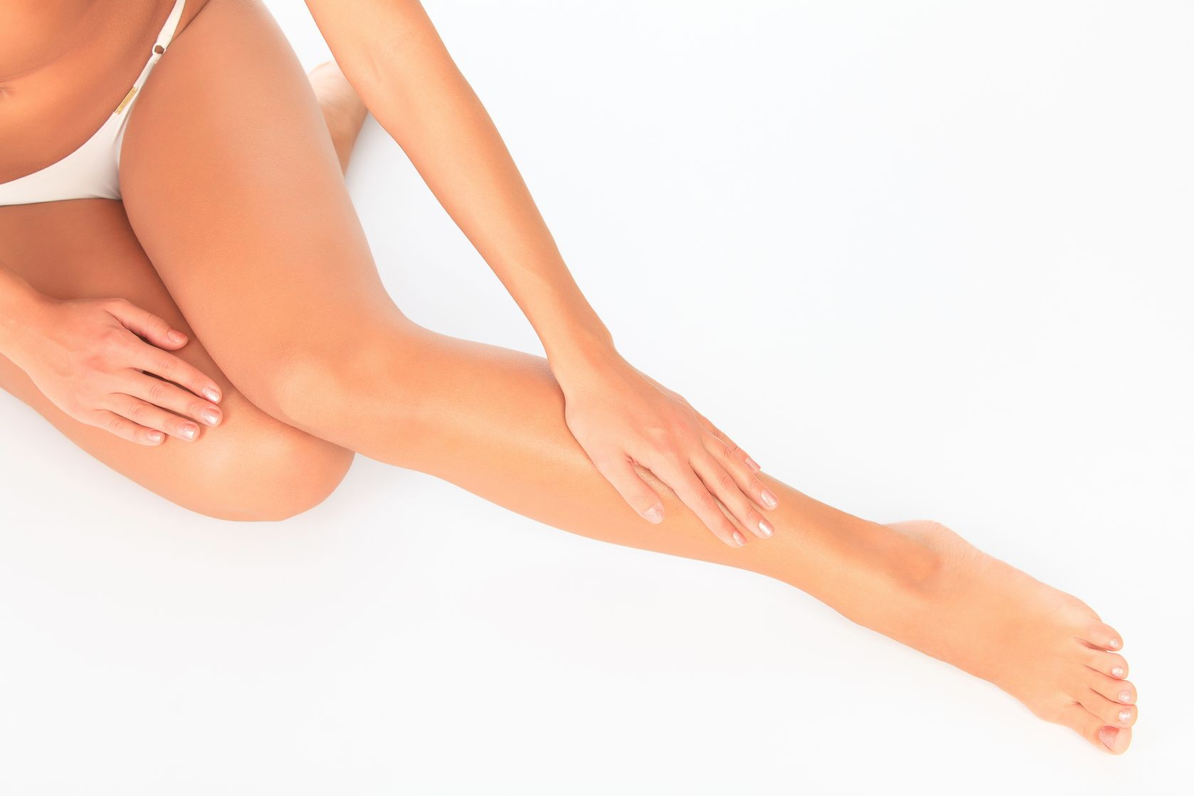 Mulher Alisando as Pernas