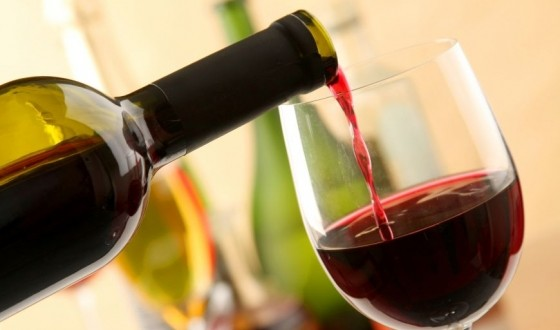 Quantas calorias tem uma garrafa de vinho tinto