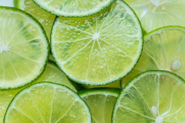 fatias de limão