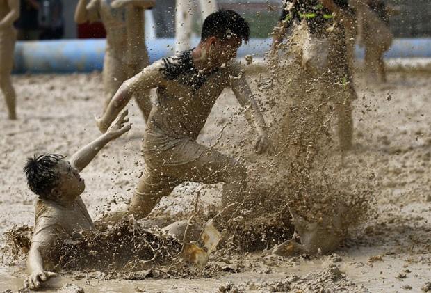 Futebol na Lama (3)
