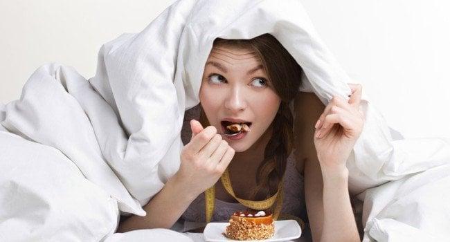 Comer escondido