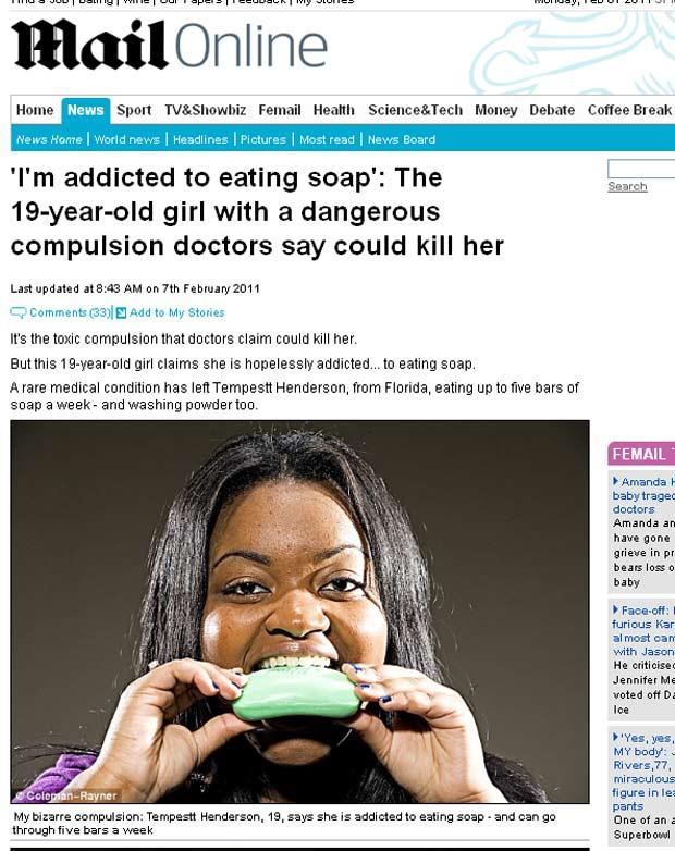 jovem que come sabão
