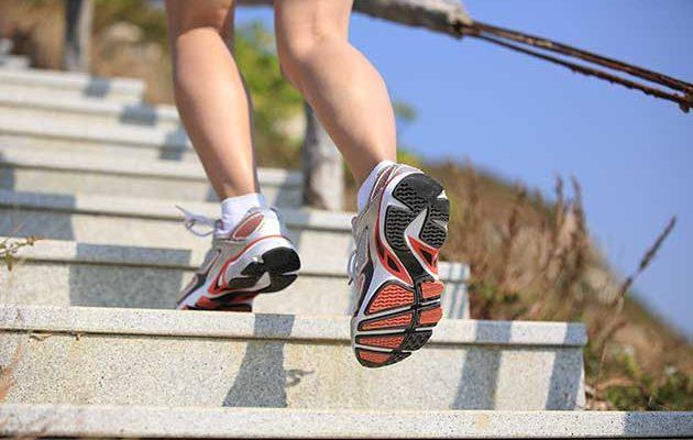 Subir e descer escadas