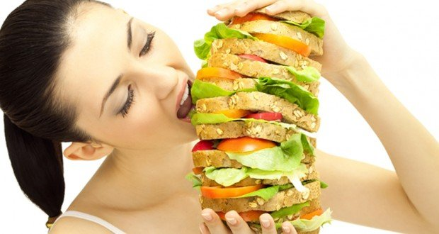 Картинки по запросу девушка огромный бургер