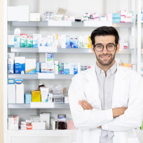 farmaceutico na farmacia
