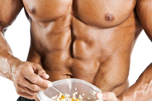 Bodybuilder comendo