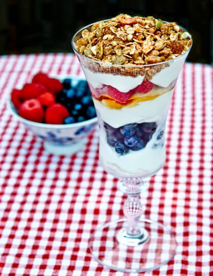 yogurt_granola-02052