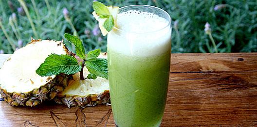 Resultado de imagem para Suco de Couve com Abacaxi, Limão e Hortelã