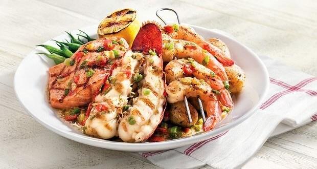 Peixe, lagosta e camarão