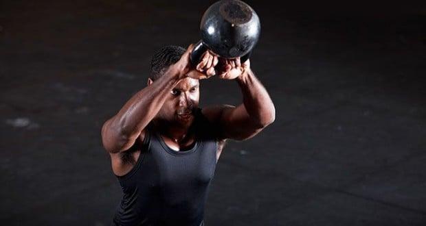 5 Melhores Exercícios com Kettlebell - MundoBoaForma.com.br