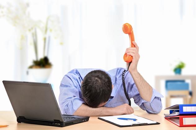 Cansado no trabalho