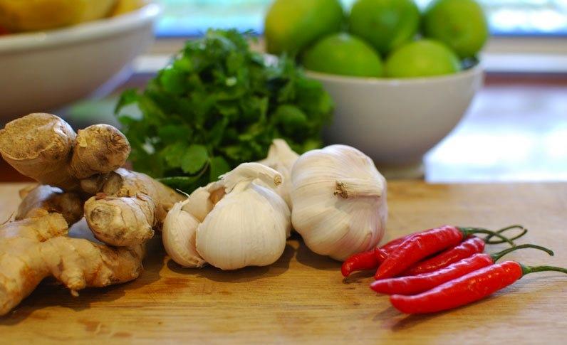 Gengibre, alho e pimenta