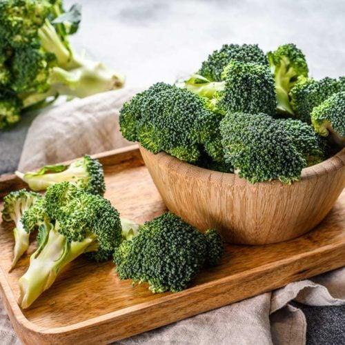 brócolis na tábua