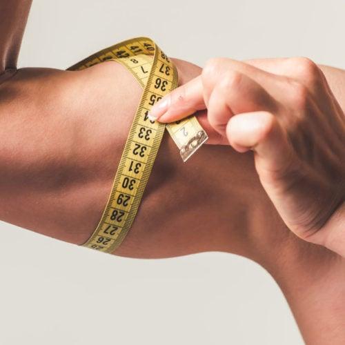 bíceps sendo medido