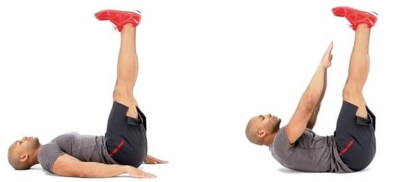 Exercícios para definir abdômen: Abdominal com a perna elevada