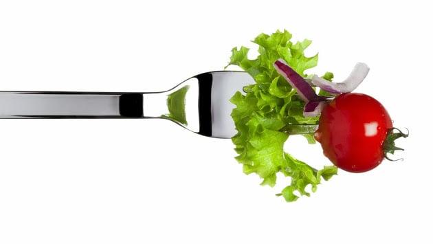 Salada no garfo