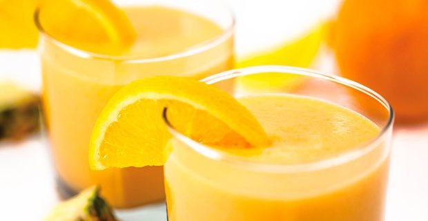 Suco de laranja e abacaxi