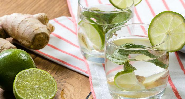Água de limão com gengibre