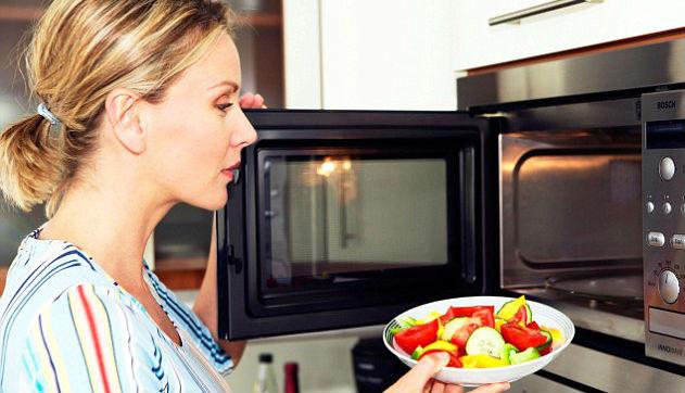 aquecer alimento micro-ondas