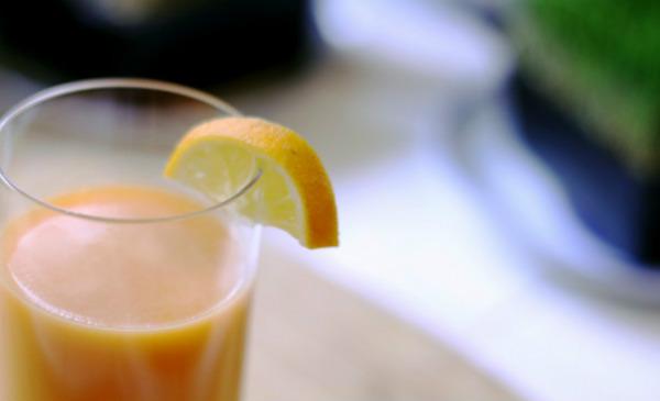 Suco de inhame com laranja