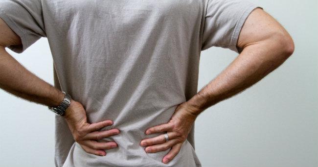 dor nas costas e alívio da dor na parte superior da perna