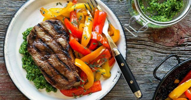 Carne com pimentão refogado