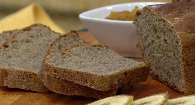 Pão de casca de banana