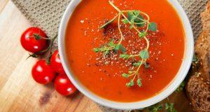 Sopa de tomate fria