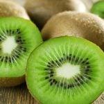 Kiwi e Vitamina C - Ganha Mesmo do Limão e da Laranja?