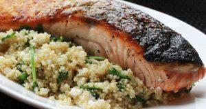 Salmão e quinoa