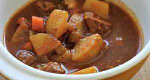 Sopa de batata com carne