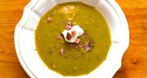 Sopa de ervilha com carne