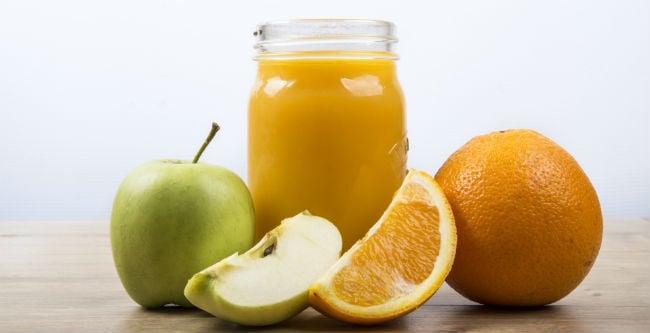 Suco de maçã com laranja
