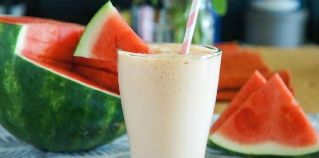 Suco de melancia com leite