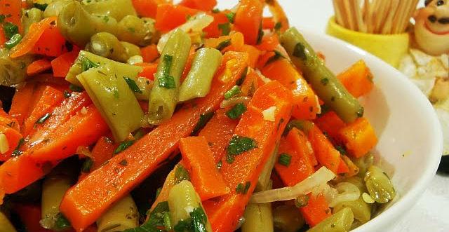 Salada de vagem com cenoura