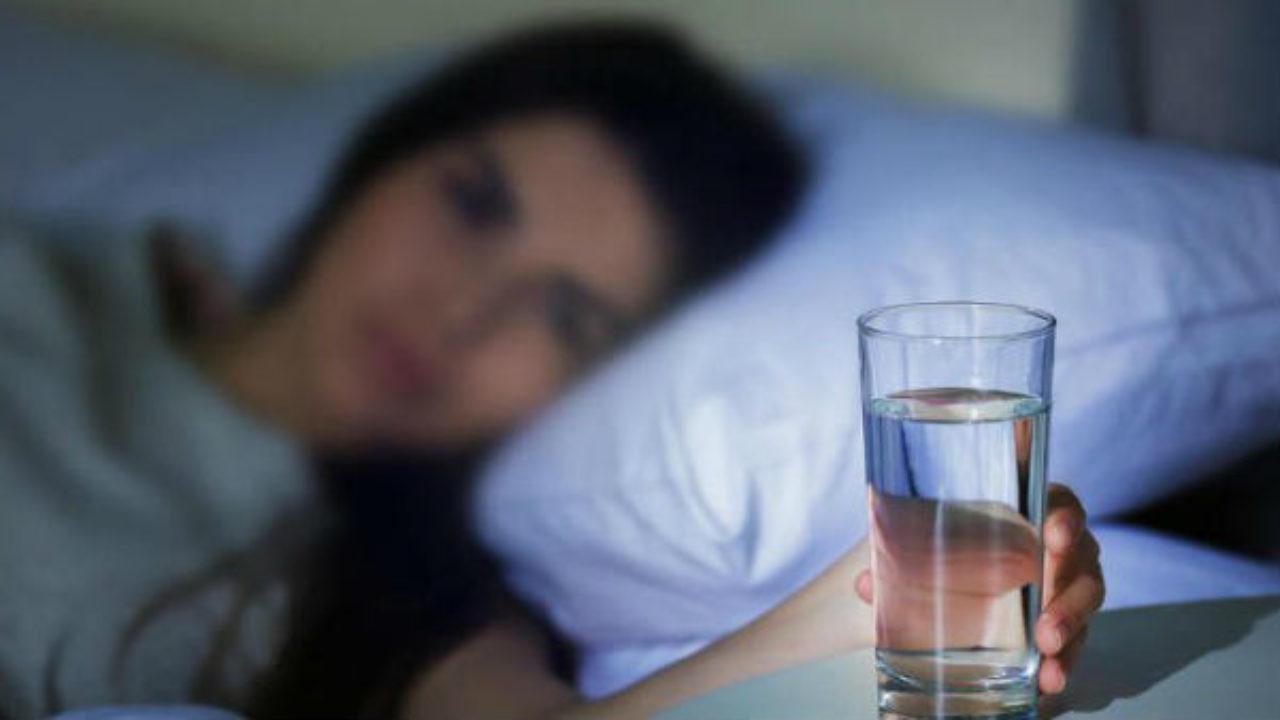 tomar agua toad previamente de dormir e bom