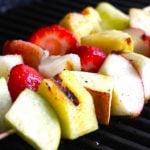 7 Receitas de Espetinho de Frutas Light