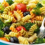 10 Receitas de Salada de Macarrão Colorido Light
