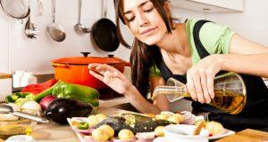 Preparando refeição
