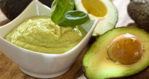 Mousse de abacate low carb