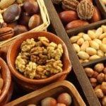 Simples Maneiras de Inserir Nozes e Sementes em Todas as Refeições Diárias