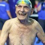 Australiano Bate Recorde Mundial de Natação aos 99 Anos de Idade