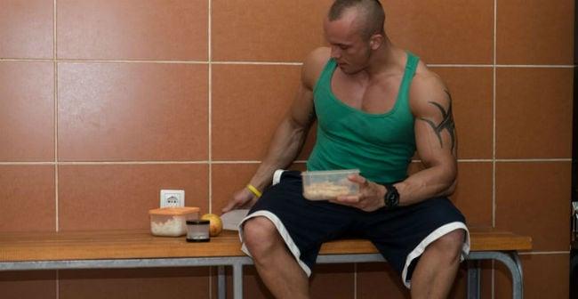 Comendo pré-treino