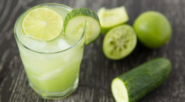 Suco de pepino com limão