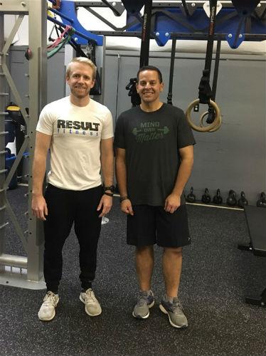 Después de tener 176 kg, cambió su dieta, comenzó a hacer ejercicio y perdió 81 kg en 10 meses. 4