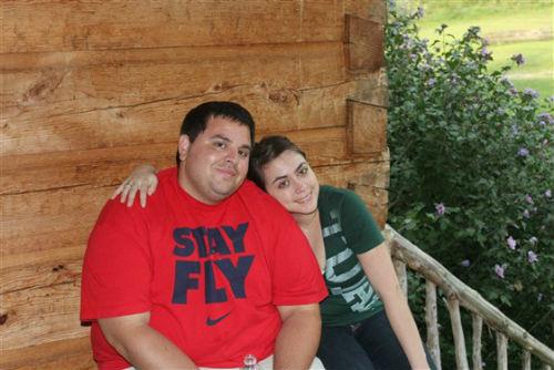 Después de tener 176 kg, cambió su dieta, comenzó a hacer ejercicio y perdió 81 kg en 10 meses. 2