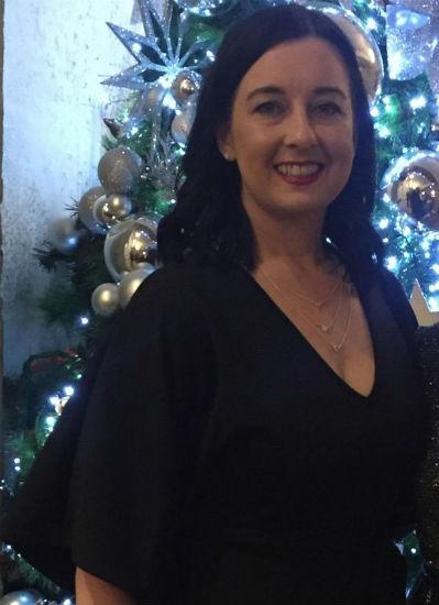 Madre pierde más de 25 kg para sentirse bien en la graduación de su hija 4