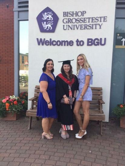 Madre pierde más de 25 kg para sentirse bien en la graduación de su hija 2
