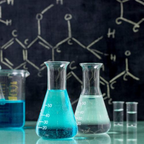 quimica representando a boldenona